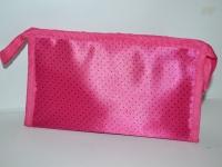 Розовая косметичка